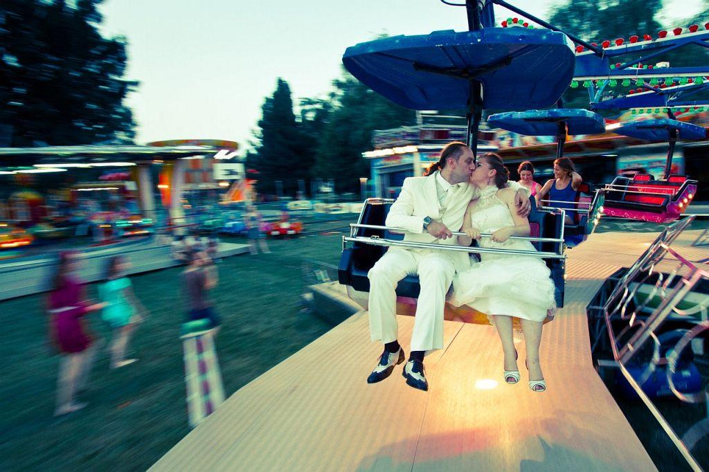KL-Photo - Fotografiranje vjencanja: Natalija i Domagoj su svoj dan za fotografiranje zazeljeli provesti u Hrvatskom Zagorju, Dvorcu Trakoscan i jednom zagrebackom luna parku. Vjencanje i svadba su bili tjedan dana kasnije u Vili Garic u Podgaricu